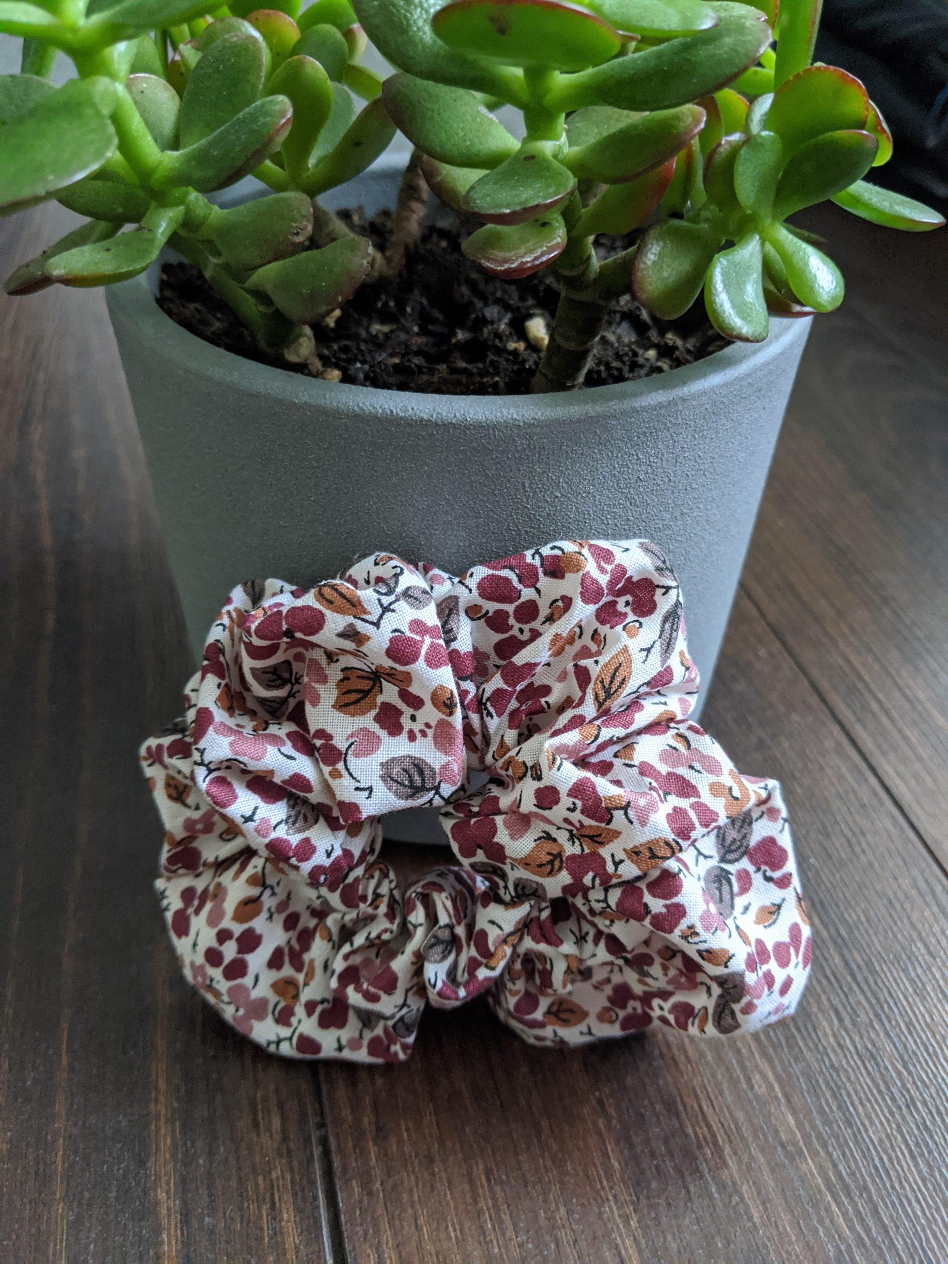 burgundy white floral 1