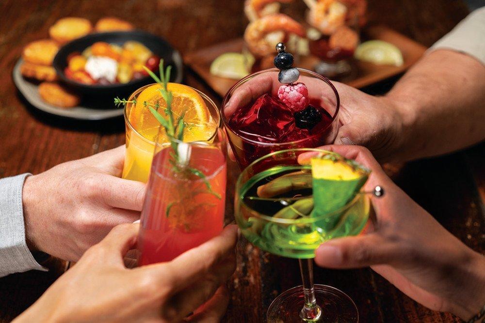 Cocktail-Week-GR-glasses-cheers-toast