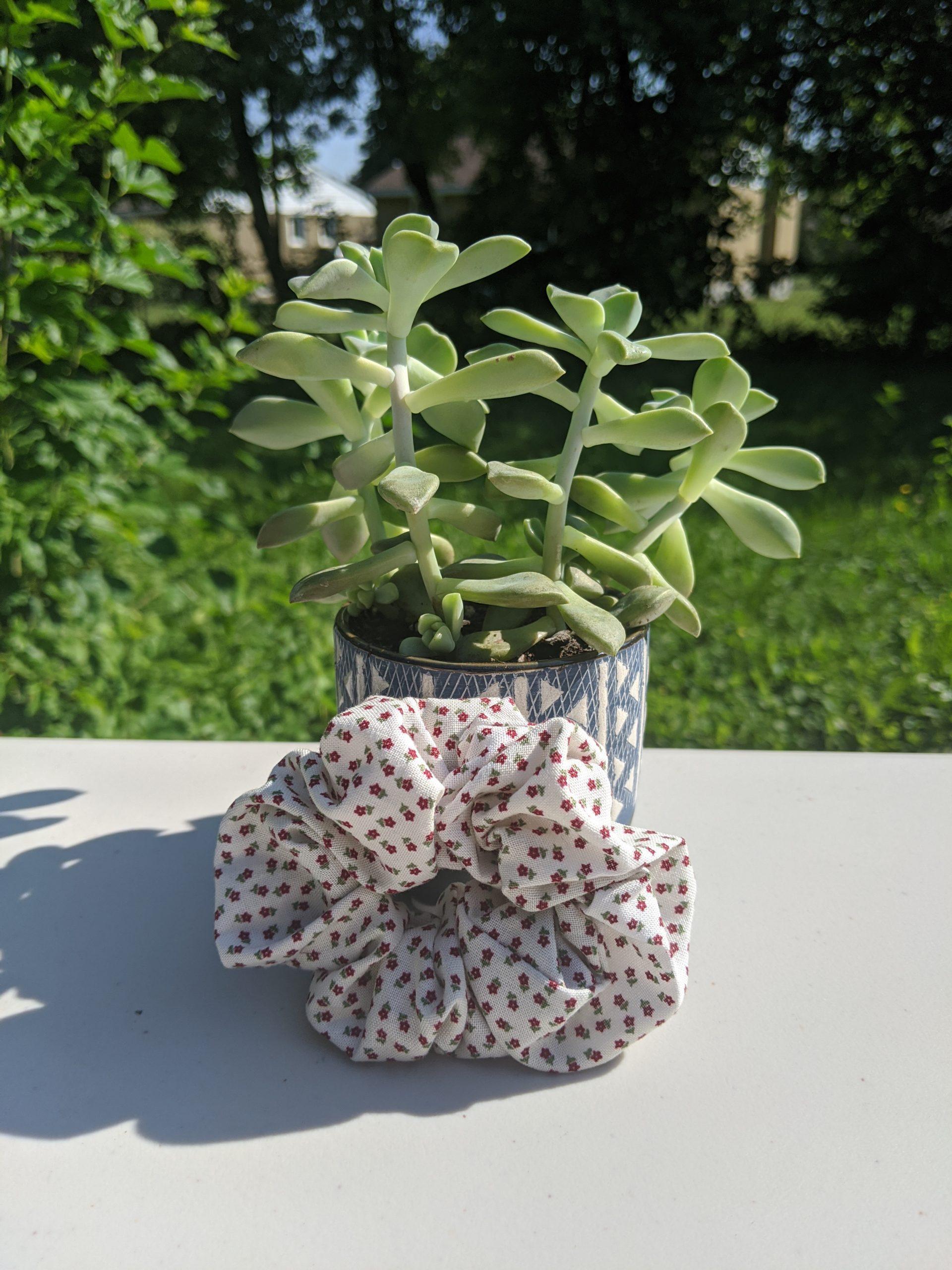 Tiny floral 1