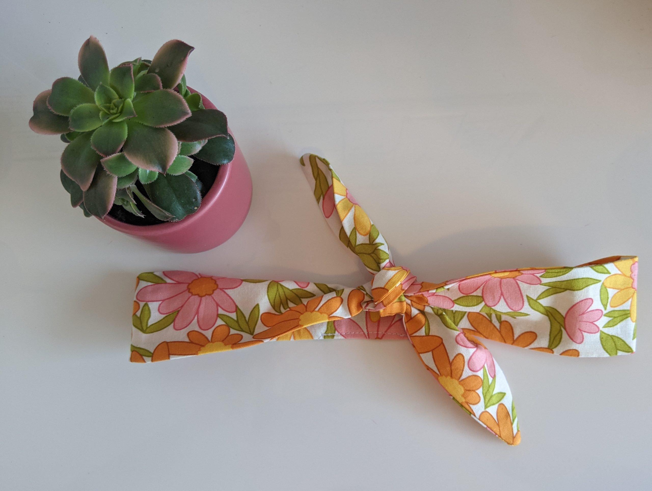 Mod Floral Headband Table Top