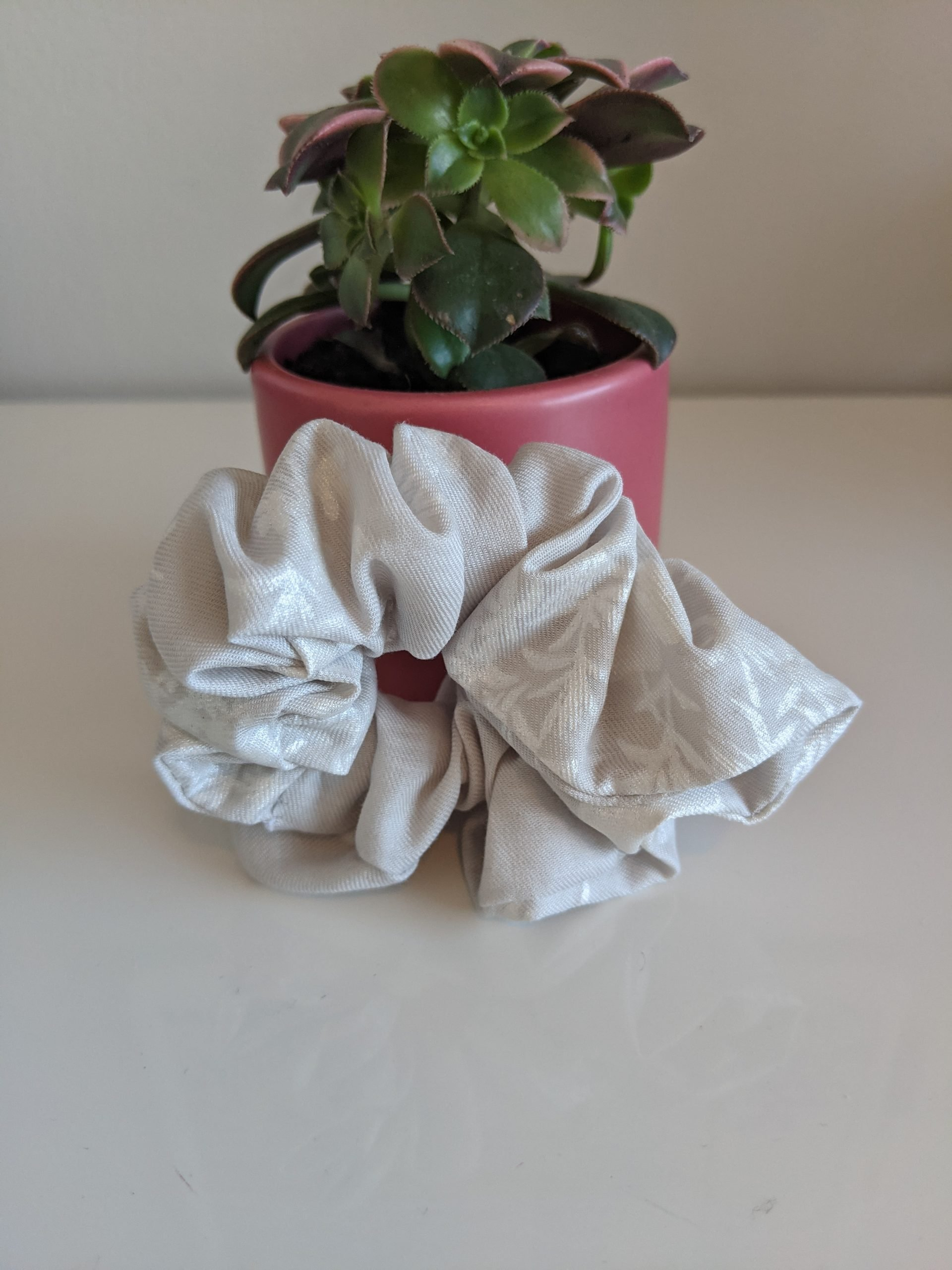 Pensive Garden scrunchie front
