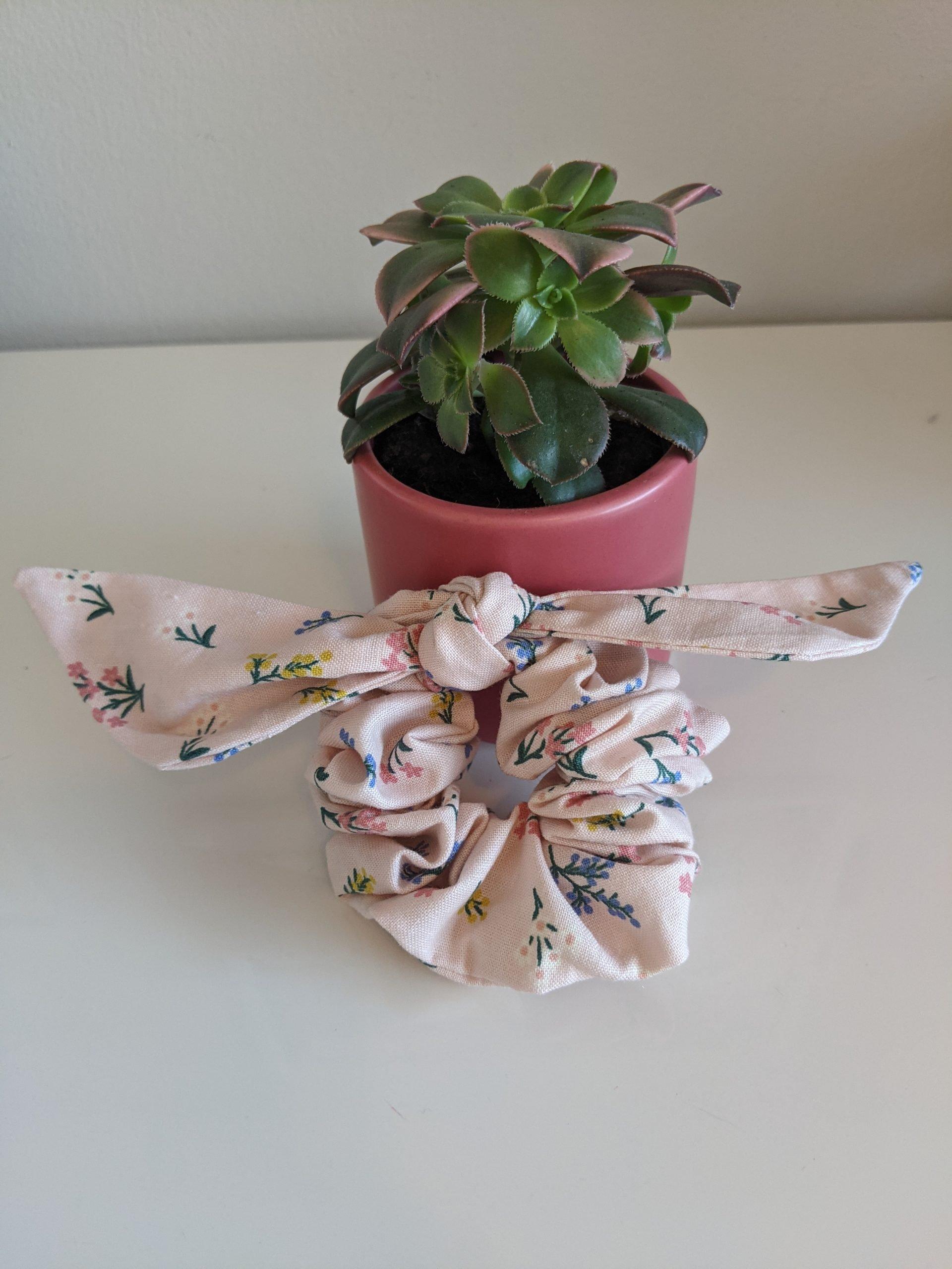 Petit Fleurs Blush Scrunchie front