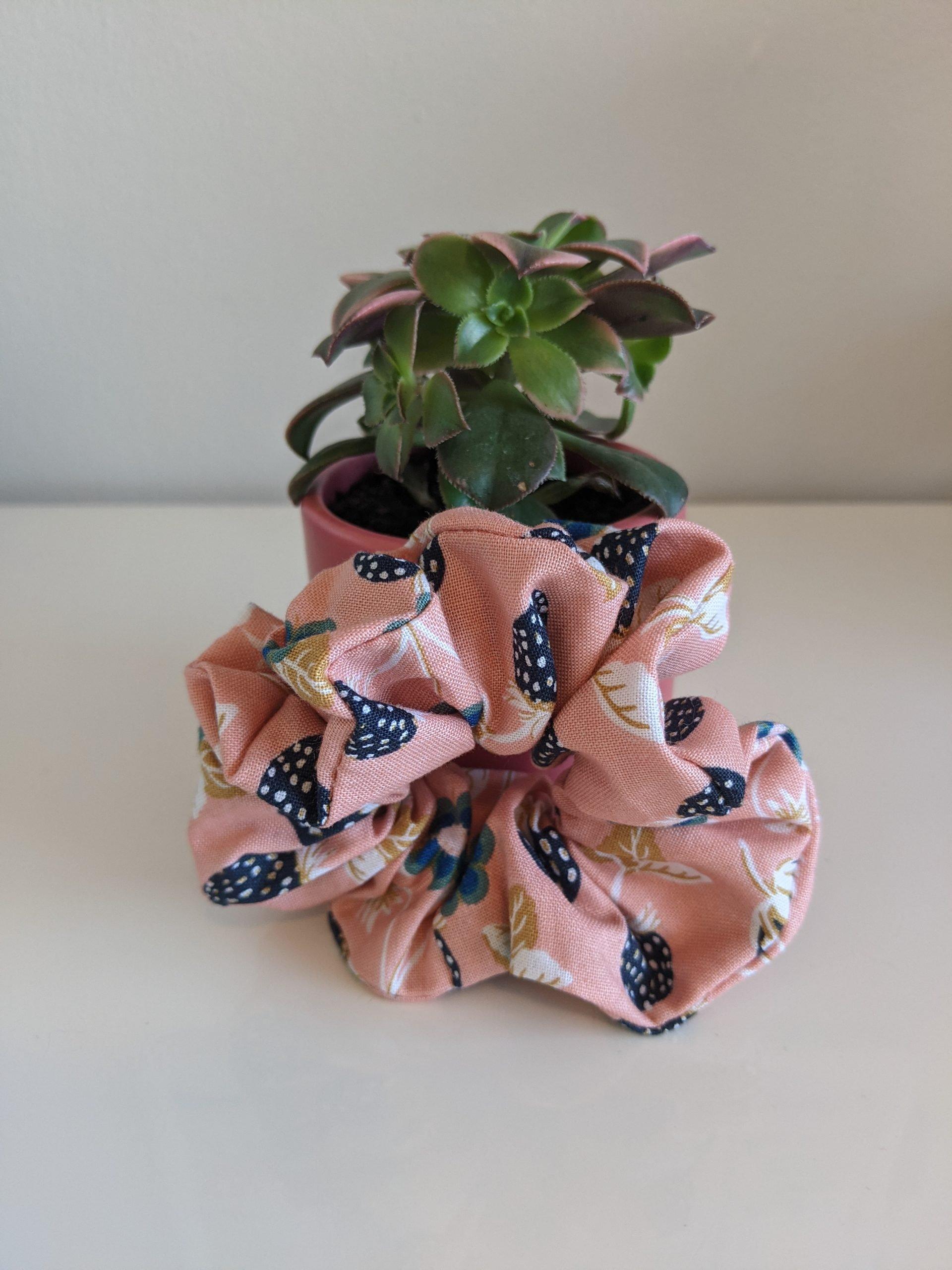 Strawberry Fields – Night Scrunchie front