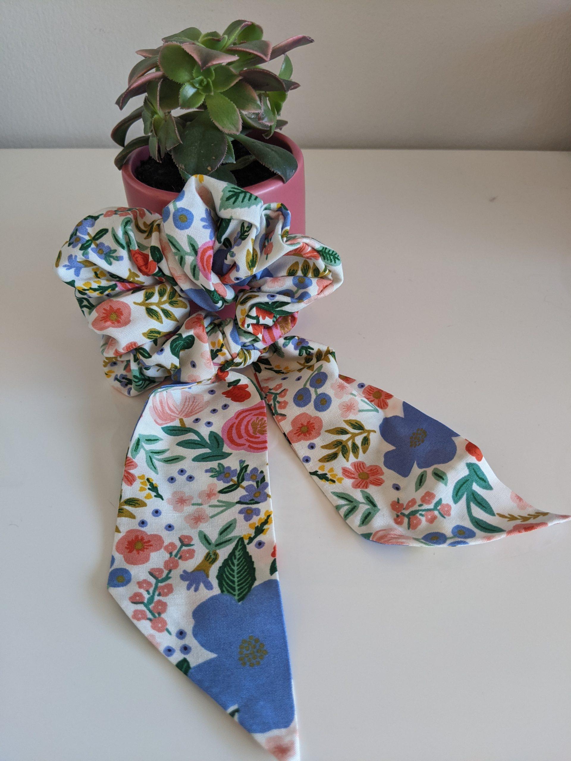 Wild Rose scrunchie tail front