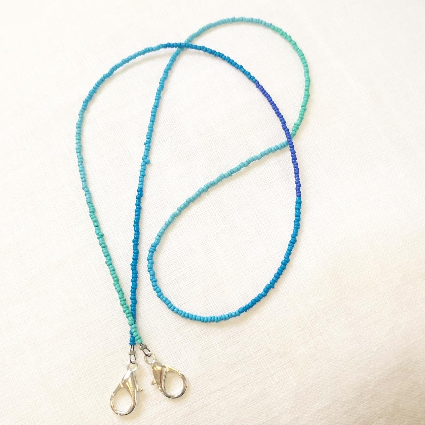 Cool Gradient Peace Chain